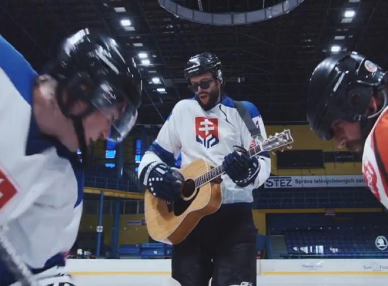 Smola a Hrušky zverejnili nový videoklip Hokejové emócie