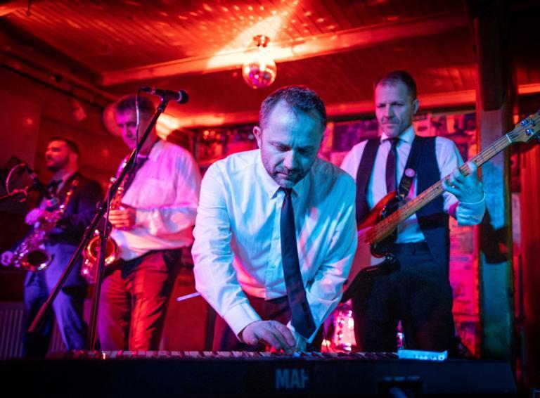 Bez ladu a skladu oslávia 35 rokov koncertami v Česku a na Slovensku