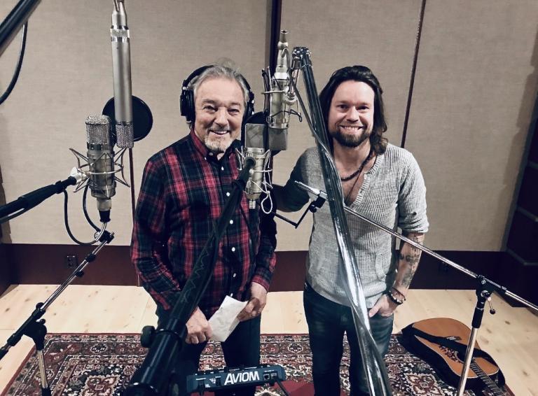 Skupina Kryštof nahrali pred dvomi rokmi vianočnú pieseň Vánoční s Karlom Gottom a dnes ma exkluzívnu premiéru!