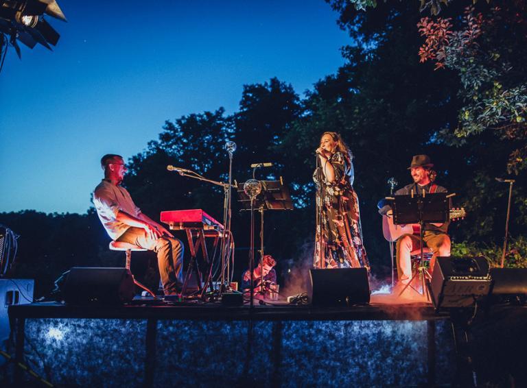 Katka Koščová pripravila live stream koncert so sláčikovým kvartetom