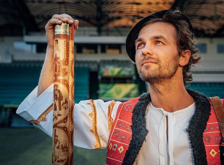 Juraj Hnilica a jeho futbalová hymna Slovenskí sokoli venovaná slovenskej reprezentácií na blížiace sa majstrovstvá Európy 2021
