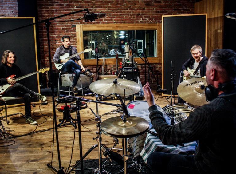 Le Payaco zverejnili singel Pohybliví v nehybnom z nového albumu