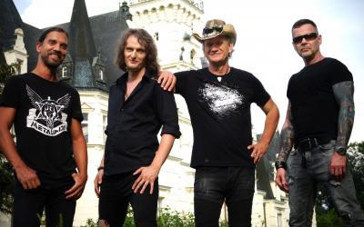 Metalinda nahrala českú hymnu a vydala nový album